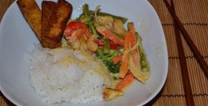 Gemüse-Kokoscurry mit Tofu