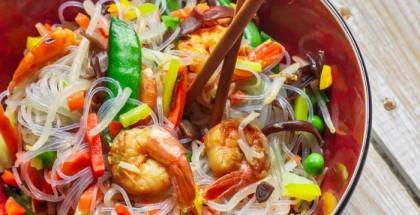 Glasnudelsalat mit Gemüse nach asiatischer Art