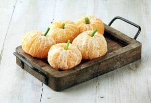 Mandarinen mit Sellerie-Stängel