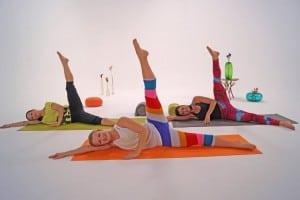 Drei Trainerinnen beim Pilates