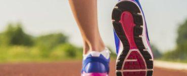 rosa blaue Damenlaufschuhe
