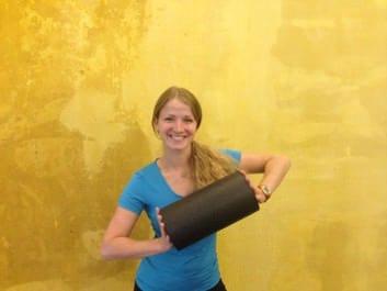 GYMONDO Trainerin Jalda Reissig miit Blackroll