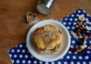 Pancake mit gefriergetrockneten Früchten von Buah