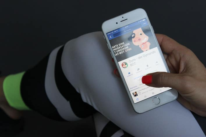 Der Fitness Chatbot Gymi kann einfach über das Smartphone mit Facebook Messenger genutzt werden.