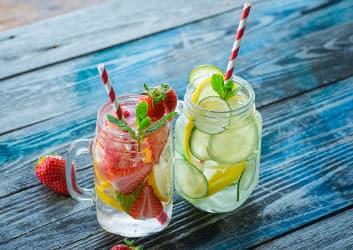 Infused Water ist aromatisiertes Wasser