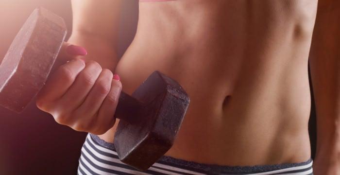Abnehmen und Muskelaufbau: So schaffst Du beides