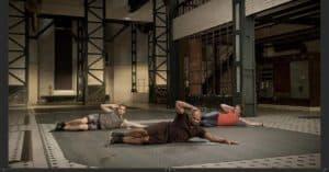 """Lisa im GYMONDO Workout """"VIP Abs"""" mit Trainer Steven Wilson"""