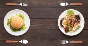 Low Carb Mahlzeit und High Carb Mahlzeit im Vergleich