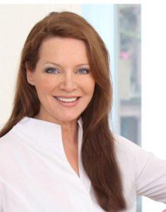 Portrait von Yogalehrerin Marion Neises