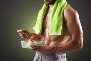Nach dem Sport macht ein schneller Snack vor der Dusche Sinn
