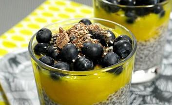 chiapudding-mango-heidelbeeren