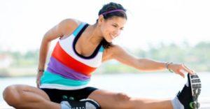 Durch Verkürzungen der Muskulatur kann Dein Körper ernsthafte Haltungsschäden davontragen. Caro erklärt Dir, wie Du Dysbalancen vermeidest.