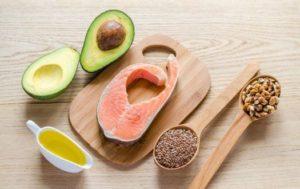 Avocado, Fischfilet, Öl, Samen & Nüsse