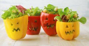 grusel Paprika gefüllt mit Salat