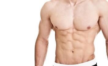 mann sixpack attraktiv durchtrainiert muskeln