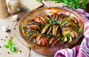 Ratatouille aus Aubergine, Süßkartoffel, Zucchini, Paprika und Kürbis