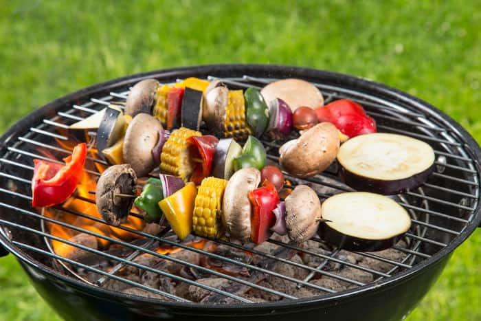 vegetarisch grillen das geh rt auf den grill. Black Bedroom Furniture Sets. Home Design Ideas